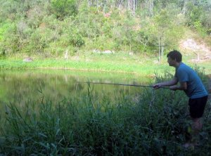 A pescaria a nossa alimentação. Mais uma das funções do açude.
